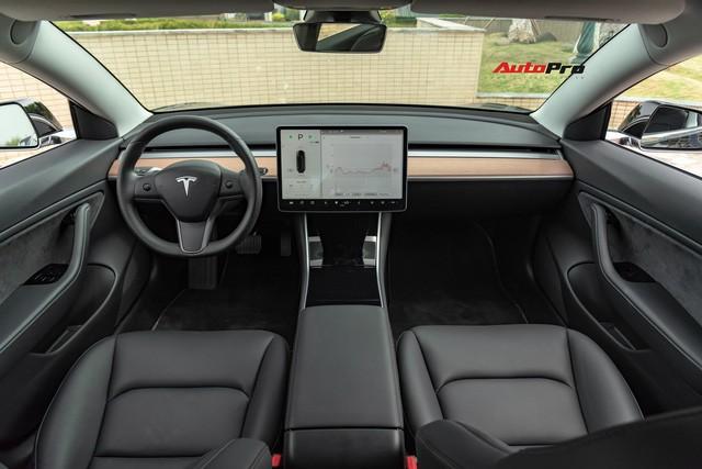 Đánh giá nhanh Tesla Model 3 đầu tiên Việt Nam: 8 điểm thú vị ít ai biết sau mức giá hơn 3 tỷ đồng - Ảnh 2.