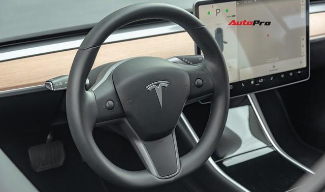Đánh giá nhanh Tesla Model 3 đầu tiên Việt Nam: 8 điểm thú vị ít ai biết sau mức giá hơn 3 tỷ đồng - Ảnh 27.
