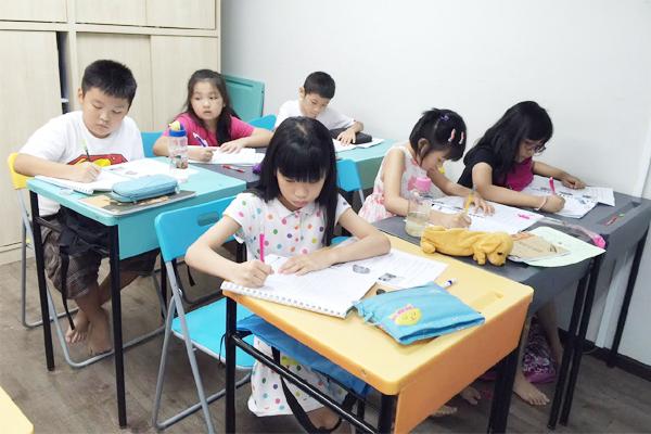 Mặt tối của nền giáo dục Singapore: Cả tỷ USD được chi mỗi năm vì nỗi ám ảnh Kiasu, trẻ em 12 tuổi thi chuyển cấp khắc nghiệt chẳng kém đại học - Ảnh 2.
