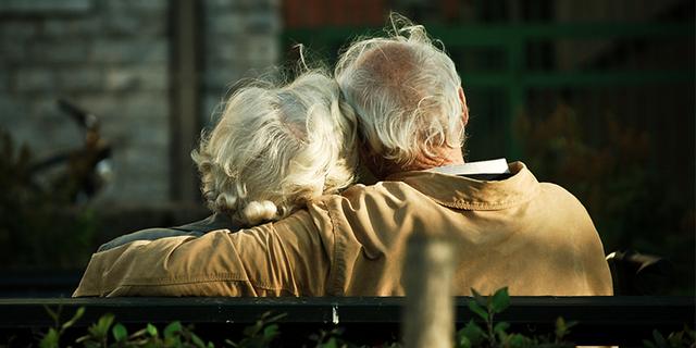 Phỏng vấn những cụ già 90 tuổi về điều hối tiếc nhất trong cuộc đời, biết được câu trả lời, tôi ngộ ra bài học để có cuộc sống hạnh phúc, không hối tiếc nhất - Ảnh 2.