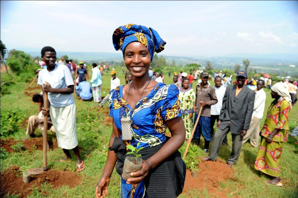 rwanda - masaka umuganda november 22 2012 1562599791147872982159 - Bí mật của thành phố sạch nhất châu Phi: Cấm đồ nhựa, tháng nào cũng tổ chức ngày 'toàn dân dọn dẹp'