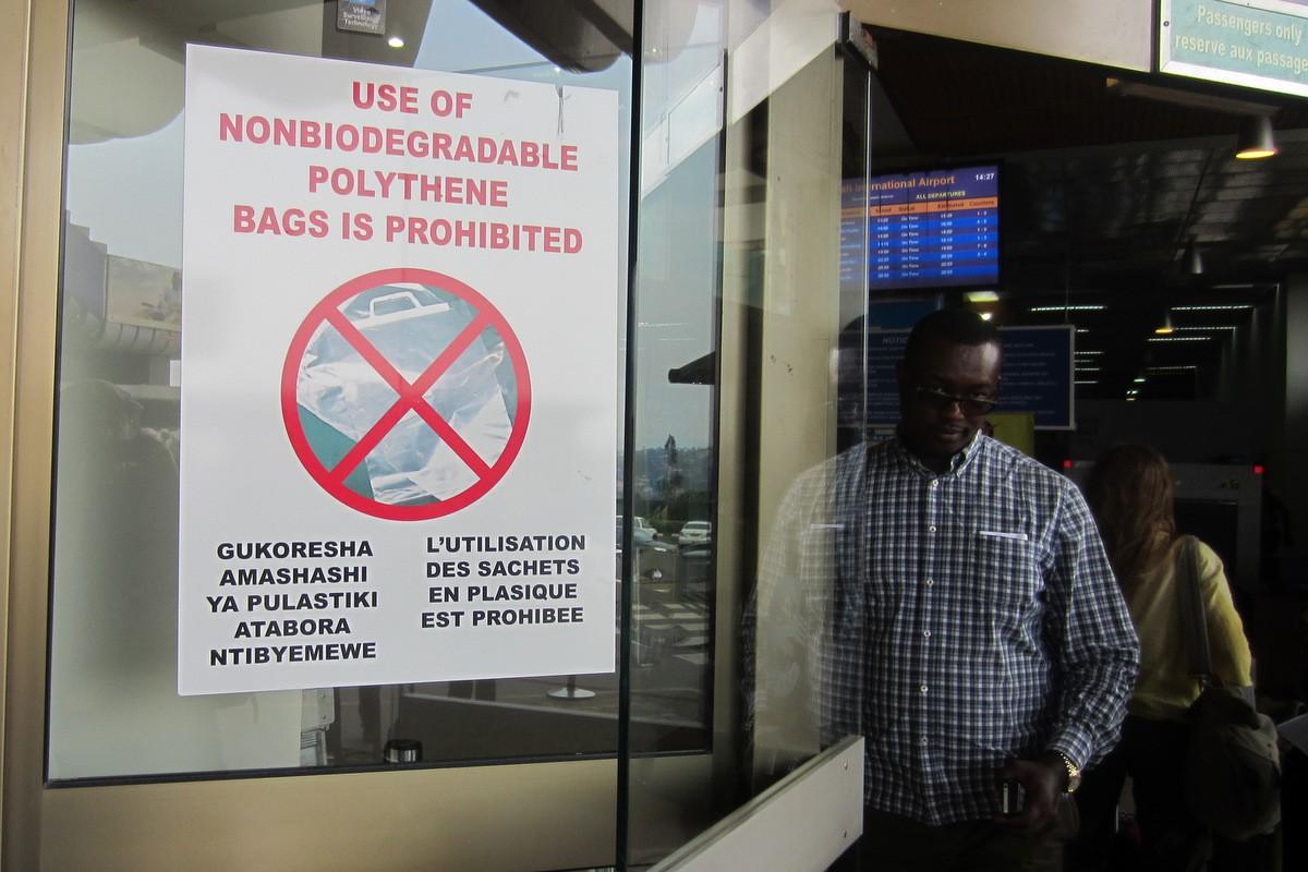 rwanda - rwanda 289 15626364517691575459176 - Bí mật của thành phố sạch nhất châu Phi: Cấm đồ nhựa, tháng nào cũng tổ chức ngày 'toàn dân dọn dẹp'