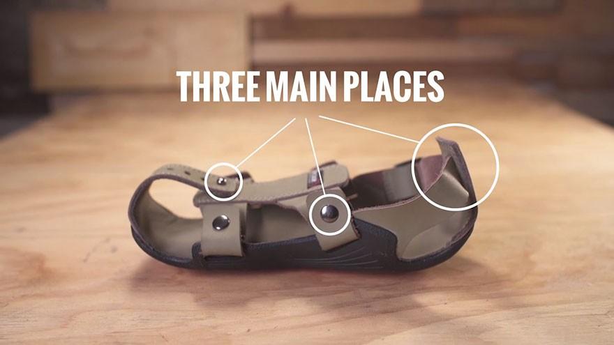 giày tự lớn - adjustable sandal poor children the shoe that grows kenton lee 4 15646571647311599478386 - Phát minh đơn giản thay đổi cuộc sống hàng triệu người: Giày tự lớn và bền ít nhất 5 năm