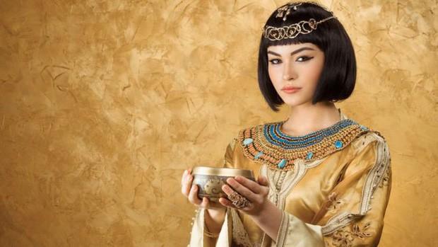 """Bí ẩn cuộc đời Nữ hoàng Cleopatra: Vị nữ vương quyến rũ với tài trí thông minh vô thường và độc chiêu quyến rũ đàn ông """"bách phát bách trúng"""" - Ảnh 3."""