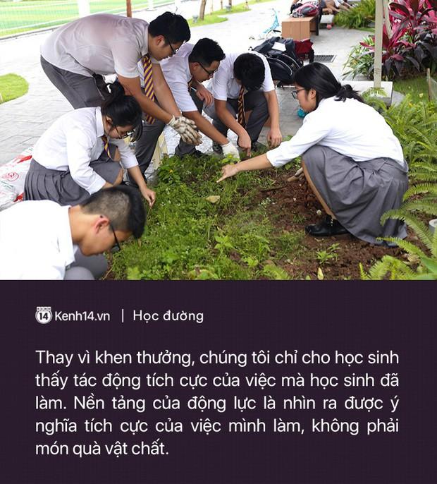Ở Hà Nội có một ngôi trường không bao giờ thả bóng bay ngày khai giảng, học sinh có hàng loạt dự án biến chai nhựa thành gạch xây trường - Ảnh 14.