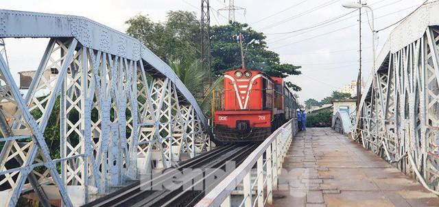 Bay trên cao ngắm cây cầu sắt 117 năm tuổi ở Sài Gòn sắp tháo dỡ - Ảnh 12.