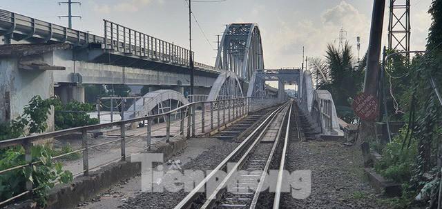 Bay trên cao ngắm cây cầu sắt 117 năm tuổi ở Sài Gòn sắp tháo dỡ - Ảnh 6.