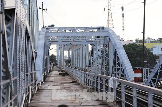 Bay trên cao ngắm cây cầu sắt 117 năm tuổi ở Sài Gòn sắp tháo dỡ - Ảnh 9.