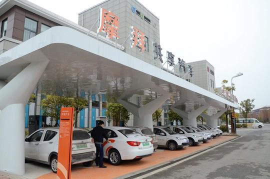 """""""Bong bóng chia sẻ phương tiện"""" tan vỡ, đến lượt hàng trăm nghìn ô tô bị vứt bỏ khắp Trung Quốc - Ảnh 2."""