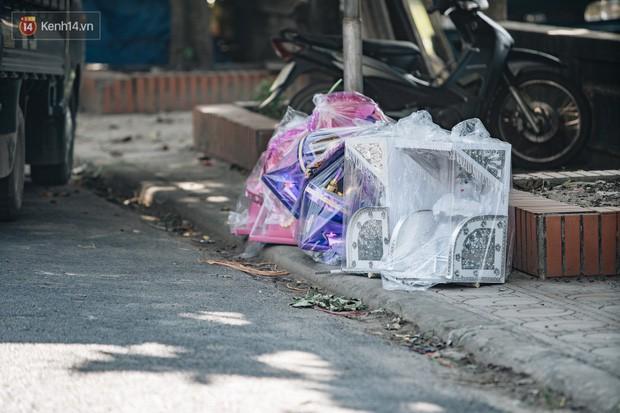 Thủ phủ vàng mã lớn nhất cả nước tấp nập tháng cô hồn: túi Chanel, xe phân khối lớn, xe đạp điện xuất xưởng - Ảnh 25.