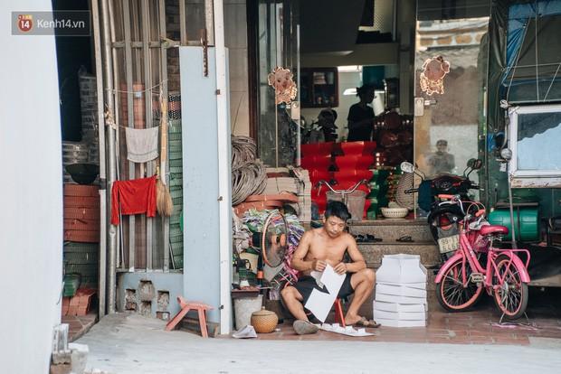 Thủ phủ vàng mã lớn nhất cả nước tấp nập tháng cô hồn: túi Chanel, xe phân khối lớn, xe đạp điện xuất xưởng - Ảnh 9.