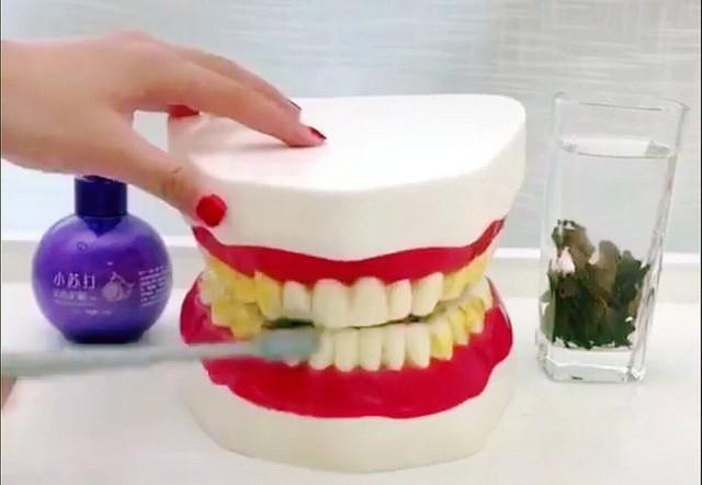 Kem đánh răng Trung Quốc thần thánh siêu tẩy trắng, nhắm mắt dùng liều - Ảnh 1.
