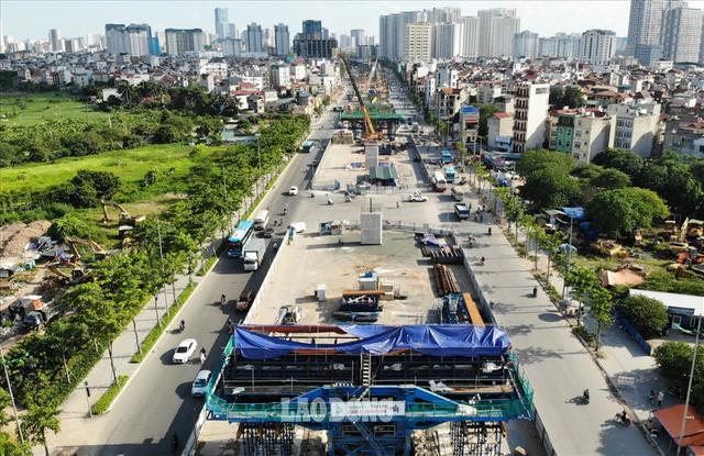 Những chiếc bẫy trên tuyến đường 3.000 tỉ ở Hà Nội  - Ảnh 1.
