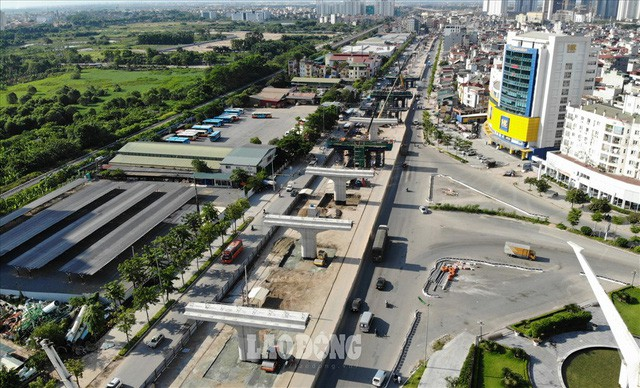 Những chiếc bẫy trên tuyến đường 3.000 tỉ ở Hà Nội  - Ảnh 12.