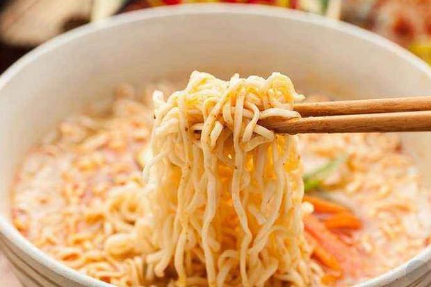 Câu chuyện về mì ăn liền ở Trung Quốc: Vua thức ăn tiện lợi bất ngờ bị thất sủng và sự hồi sinh mạnh mẽ khiến ai cũng kinh ngạc - Ảnh 7.