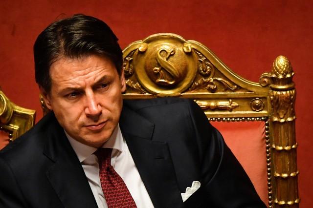 Vì sao Thủ tướng Italy bất ngờ tuyên bố từ chức? - Ảnh 1.