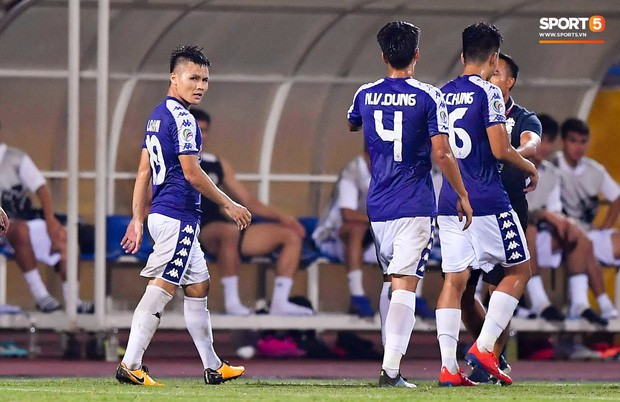 Quang Hải lên thần, ghi liên tiếp hai bàn đẹp mắt ở Cúp châu Á cho Hà Nội FC - Ảnh 11.