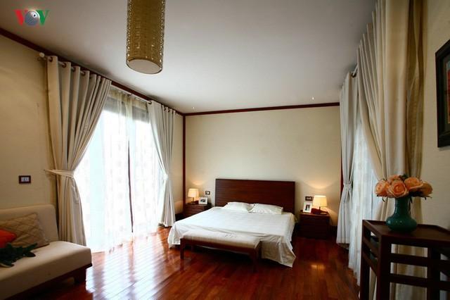 Ngôi biệt thự có nội thất phong cách kết hợp - Ảnh 12.