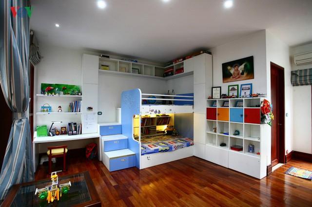 Ngôi biệt thự có nội thất phong cách kết hợp - Ảnh 15.