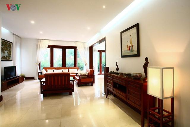 Ngôi biệt thự có nội thất phong cách kết hợp - Ảnh 3.