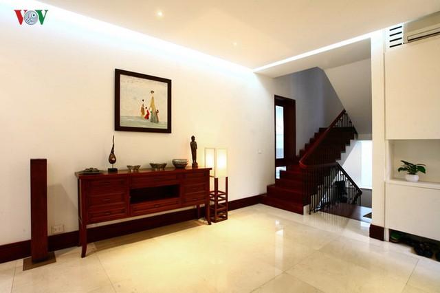 Ngôi biệt thự có nội thất phong cách kết hợp - Ảnh 4.