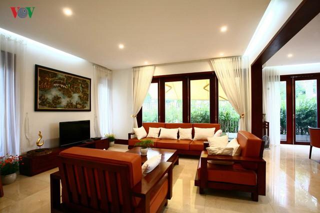 Ngôi biệt thự có nội thất phong cách kết hợp - Ảnh 5.
