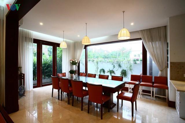 Ngôi biệt thự có nội thất phong cách kết hợp - Ảnh 7.