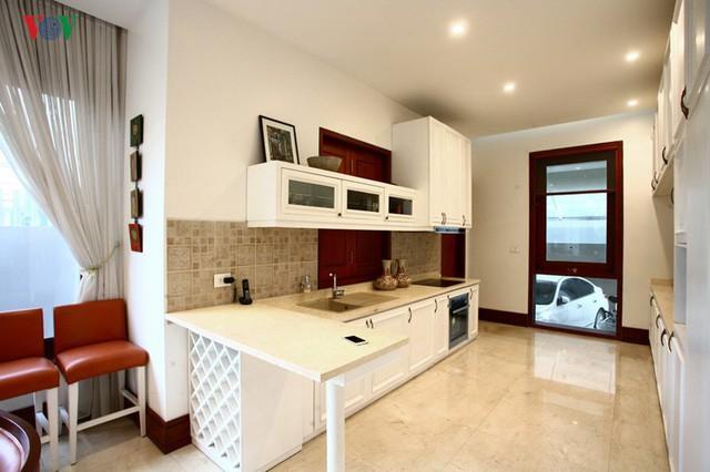 Ngôi biệt thự có nội thất phong cách kết hợp - Ảnh 10.