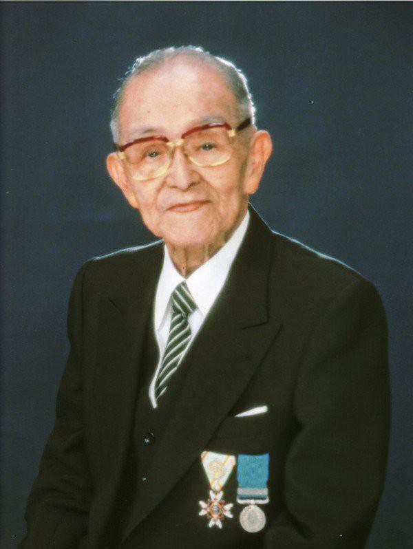 Made in Asia: Hãng bim bim Nhật Bản vươn lên từ vụ thả bom nguyên tử Hiroshima và cứu đói cho đất nước như thế nào? - Ảnh 2.