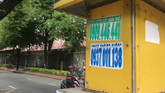 Cận cảnh những điểm đón taxi hoang phế ở Sài Gòn  - Ảnh 7.