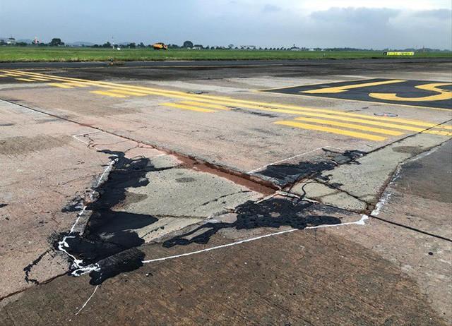 Hai sân bay lớn nhất Việt Nam nguy cơ phải đóng cửa, có tiền không được sửa  - Ảnh 2.