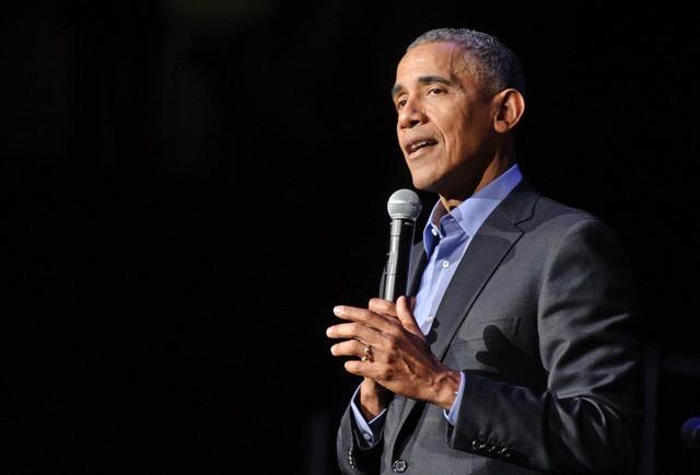 Đến hẹn lại lên, cựu Tổng thống Mỹ Barack Obama tiết lộ 9 tựa sách tâm đắc nhất nhất hè này của mình: Vẫn chưa quá muộn để bạn thử! - Ảnh 1.
