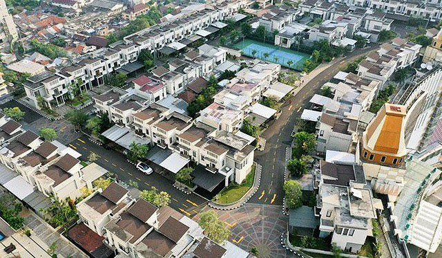 Ngỡ ngàng ngôi làng toàn biệt thự chục tỷ xây trên nóc tòa nhà cao tầng - Ảnh 5.