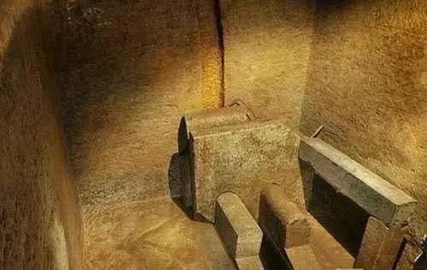"""Thời cổ đại khan hiếm giấy, giới nhà giàu và vua chúa Trung Hoa dùng gì sau khi """"đi cầu""""? - Ảnh 1."""
