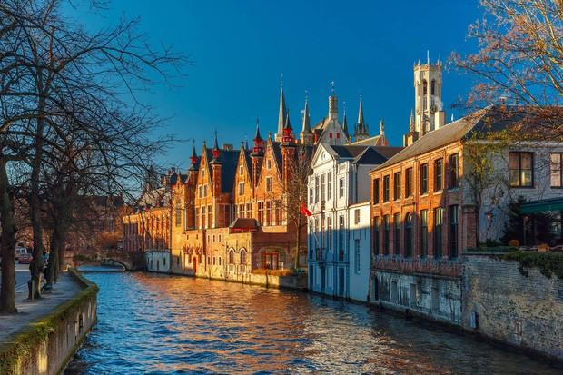 - photo 1 15667844048271663470200 - Chuyên trang Mỹ công bố 15 thành phố kênh đào đẹp nhất thế giới, thật bất ngờ có 1 cái tên đến từ Việt Nam!