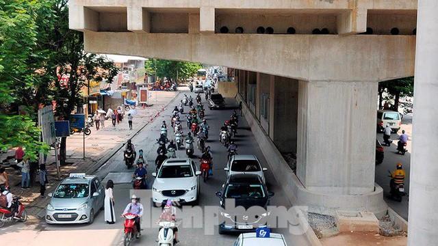 Hình hài đường sắt Nhổn - Ga Hà Nội sau 2 năm chậm tiến độ - Ảnh 16.
