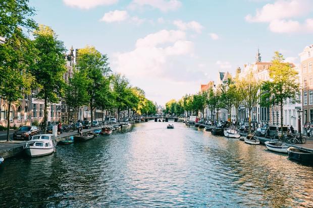 - photo 18 1566784404864136848622 - Chuyên trang Mỹ công bố 15 thành phố kênh đào đẹp nhất thế giới, thật bất ngờ có 1 cái tên đến từ Việt Nam!