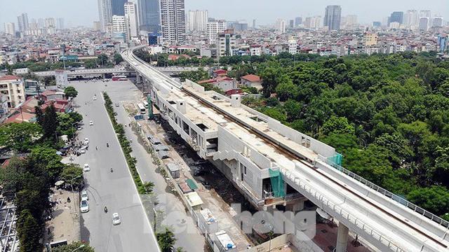 Hình hài đường sắt Nhổn - Ga Hà Nội sau 2 năm chậm tiến độ - Ảnh 8.