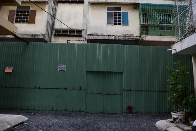 Cận cảnh chung cư nghiêng ở Sài Gòn bị đề nghị tháo dỡ khẩn cấp - Ảnh 5.