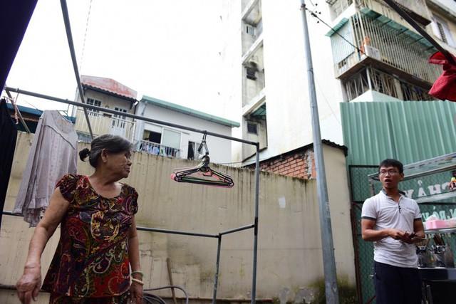 Cận cảnh chung cư nghiêng ở Sài Gòn bị đề nghị tháo dỡ khẩn cấp - Ảnh 7.
