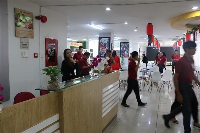 Lãnh đạo Alibaba mất hút khi khách hàng đến đòi tiền - Ảnh 1.