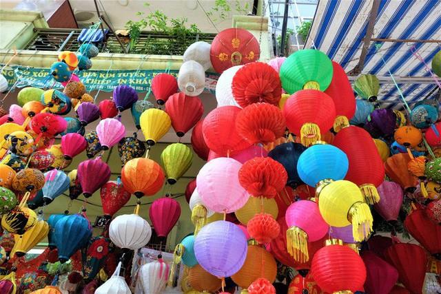 Hàng Mã rực rỡ sắc màu, đồ chơi made in Việt Nam lên ngôi Trung thu 2019 - Ảnh 11.