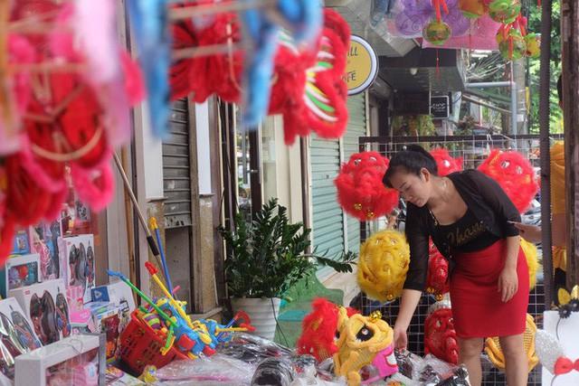 Hàng Mã rực rỡ sắc màu, đồ chơi made in Việt Nam lên ngôi Trung thu 2019 - Ảnh 13.