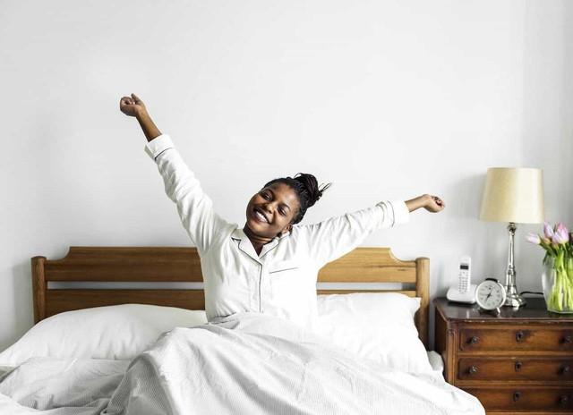 Từ cô bồi bàn đến HLV gym của Kim Kardashian: Cuộc sống đổi thay hoàn toàn nhờ dậy lúc 4h và bỏ bữa sáng! - Ảnh 2.