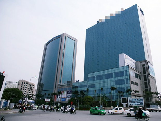Khách sạn 5 sao nơi nam bảo vệ đuổi người trú mưa ở Hà Nội bị dân mạng đồng loạt rate 1 sao - Ảnh 2.