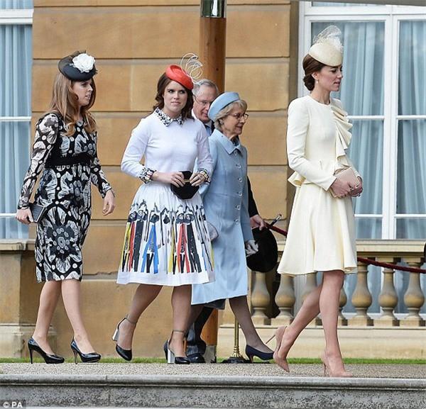 Làm dâu hoàng gia khó lắm thay: Công nương Kate bị 2 em chồng hắt hủi, xa cách, duy trì mối quan hệ băng giá bấy lâu nay - Ảnh 1.