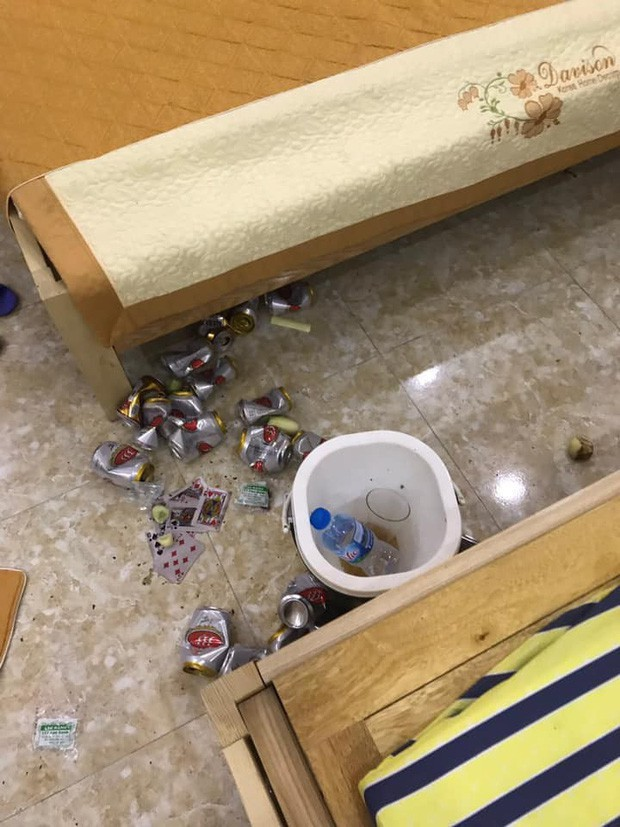 Kinh hoàng những pha du khách ở cực bẩn trong khách sạn và homestay: Rác ngập kín lối, chó phóng uế cả... trên giường - Ảnh 14.