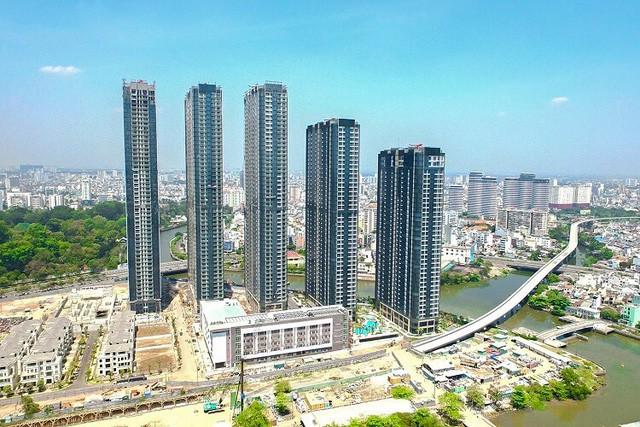 Kinh tế tăng trưởng - người Việt ôm tiền đầu tư cả bất động sản trong và ngoài nước - Ảnh 2.