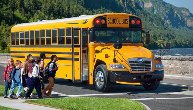 Nhằm ngăn chặn việc bỏ quên học sinh trên xe, Mỹ đã áp dụng hệ thống tân tiến này để cảnh báo: Mọi tài xế đều phải thực hiện trước khi xuống! - Ảnh 2.
