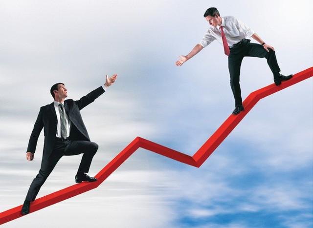 Tỷ phú khởi nghiệp từ 3.000 đô la: Muốn thành công thực sự, bạn phải phá bỏ 3 quy tắc kinh doanh xuẩn ngốc này - Ảnh 1.